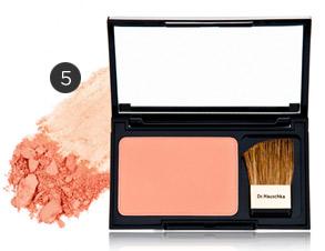 Dr. Hauschka powder blush in Soft Terracotta